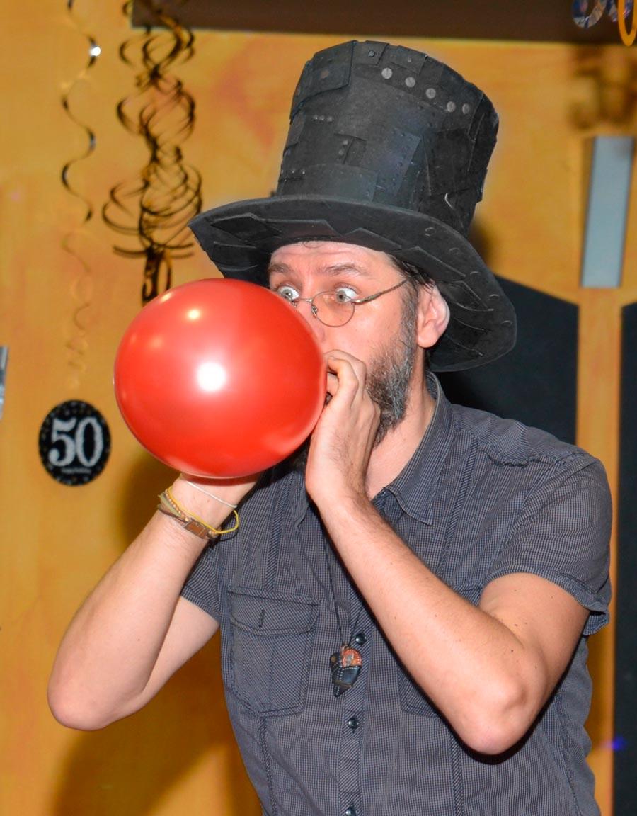 Kouzelník Čáry Kluk a modelování balonků