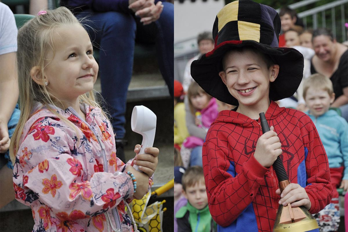 Děti pomáhají kouzelníkovi Čáry Klukovi