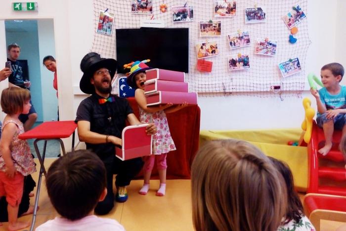 Kouzelník na narozeninách | Čáry Kluk