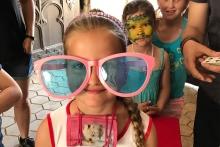 Kouzelní brýle vidí růžově