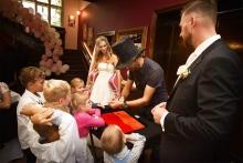 Kouzelník na svatbě s dětmi | ČÁRY KLUK